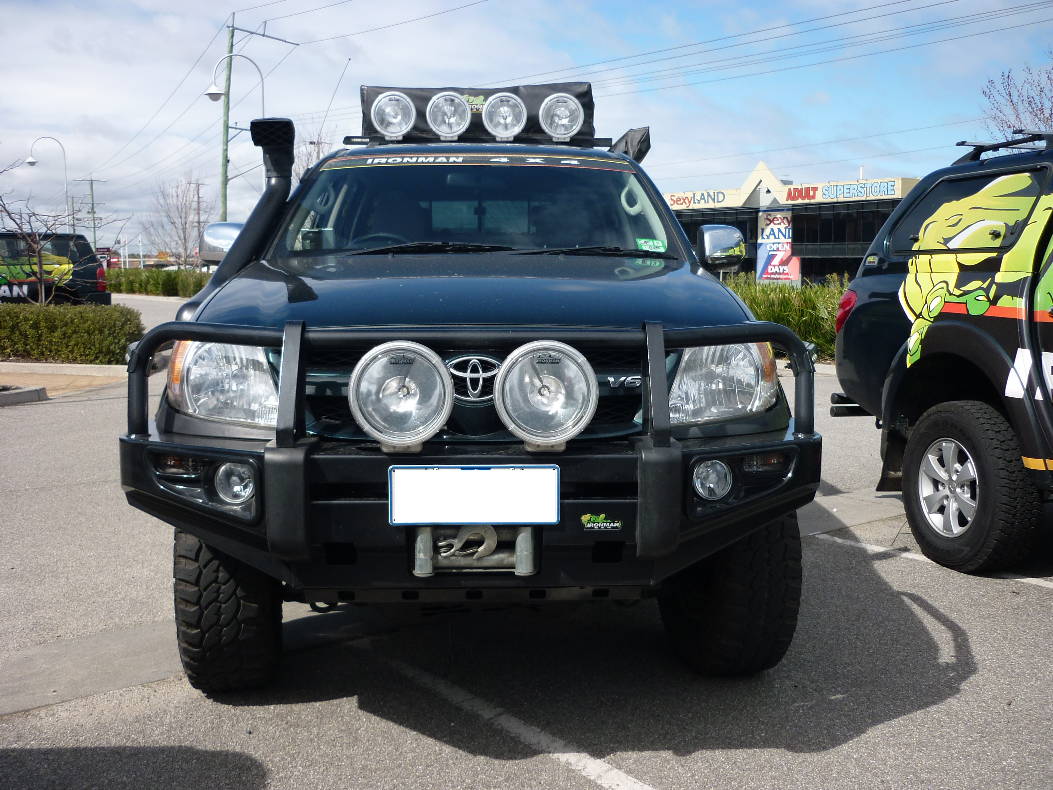Hilux 2005 2011 Deluxe Commercial Bull Bar Ironman 4x4 Nz