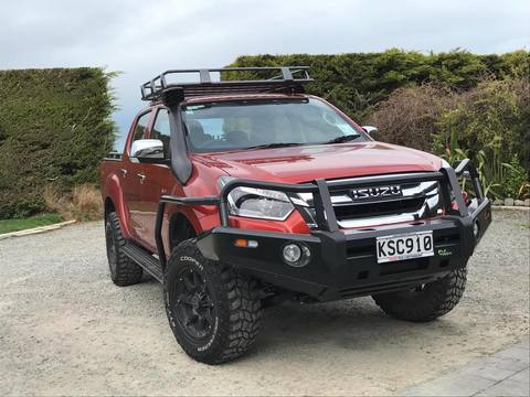 D-Max 2017+ Deluxe Commercial Bull Bar